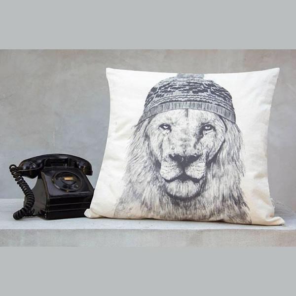 Almohadón rústico león
