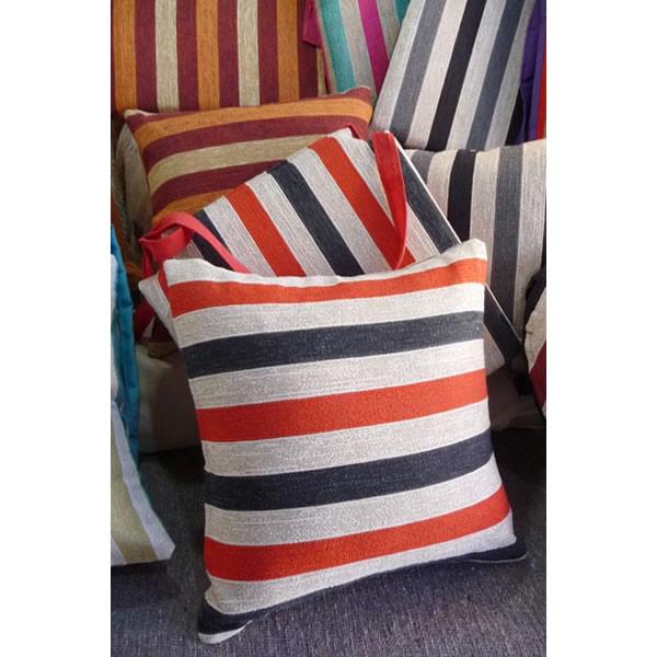 Almohadón de silla rayado