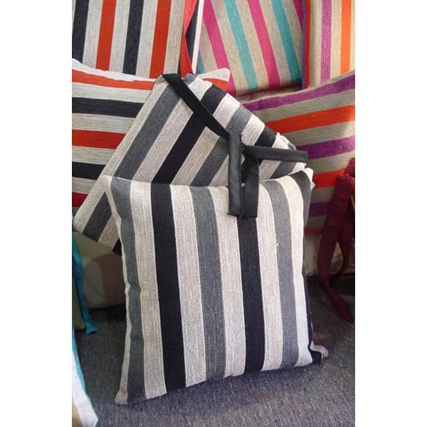 almohadon rayado gris